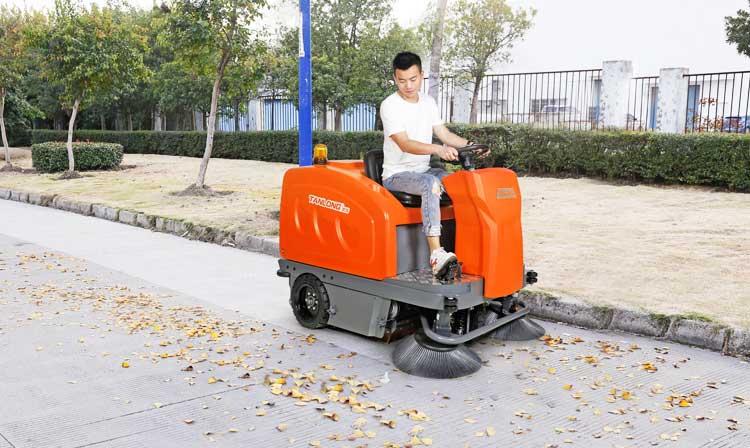 T50S驾驶式扫地车-d.jpg